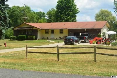 Single Family Home Active - First Right Rfsl: 6899 Bennett Rd