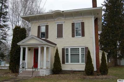 Single Family Home For Sale: 300 Hanover
