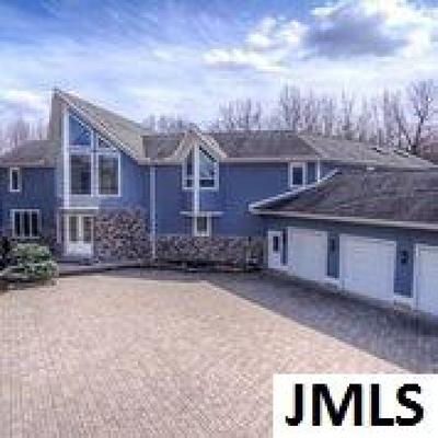 Jackson County, Lenawee County, Hillsdale County Single Family Home For Sale: 1265 Maple Lane