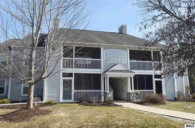 Jackson County Condo/Townhouse Contingent - Financing: 862 W Barrington Circle
