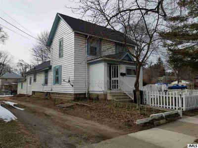 Single Family Home For Sale: 1122 S Jackson St