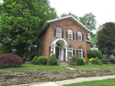 Jackson MI Single Family Home For Sale: $100,000