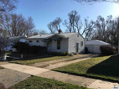 Lansing Single Family Home For Sale: 4901 Lowcroft Ave