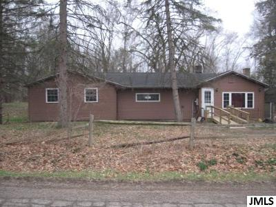 Onondaga Single Family Home Contingent - Financing: 10843 Wilcox