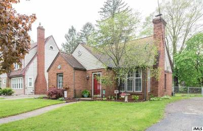 Single Family Home Contingent - Financing: 808 S Grinnell