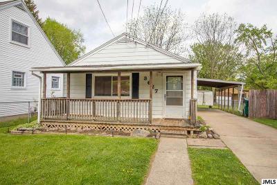 Lansing Single Family Home For Sale: 3627 Burchfield Dr
