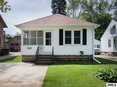 Jackson MI Single Family Home For Sale: $49,900