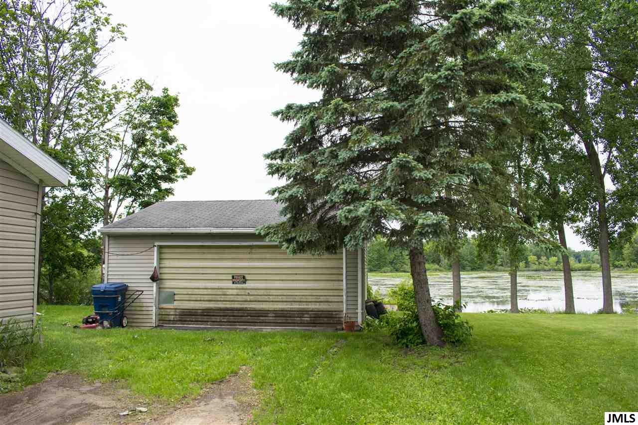 3 bed / 2 baths Home in Grass Lake for $55,000