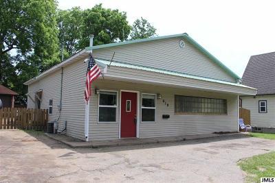 Jackson MI Single Family Home For Sale: $59,900