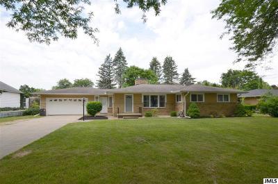 Jackson MI Single Family Home For Sale: $157,900