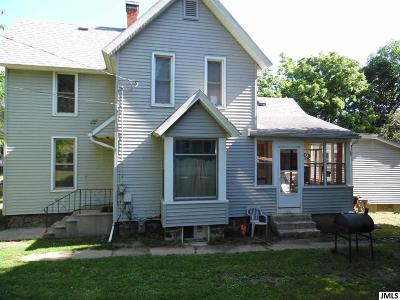 Albion Single Family Home For Sale: 814 N Clinton