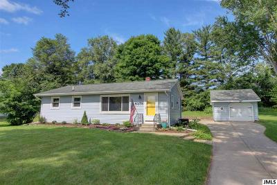 Jackson MI Single Family Home For Sale: $129,000