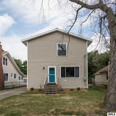 Single Family Home For Sale: 606 E Golf