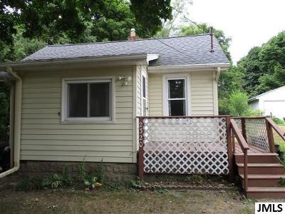 Jackson MI Single Family Home For Sale: $53,900