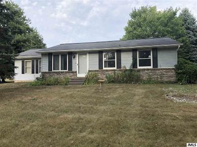 Single Family Home For Sale: 11495 Hayes Rd