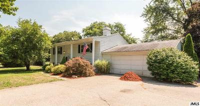 Jackson MI Single Family Home For Sale: $155,000