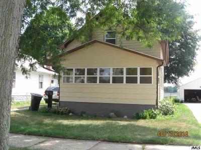 Jackson MI Single Family Home For Sale: $65,900