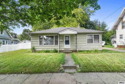 Jackson MI Single Family Home For Sale: $58,900