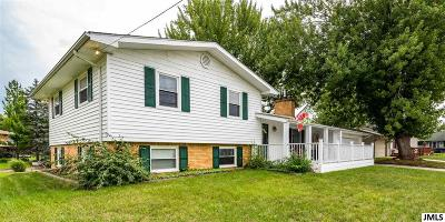 Single Family Home For Sale: 104 Hewitt Ct