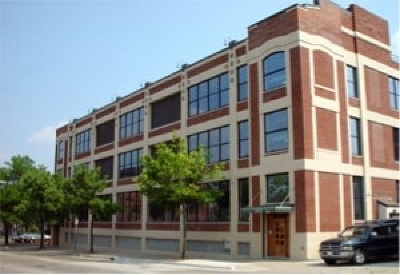 Condo/Townhouse For Sale: 109 W Washington Ave