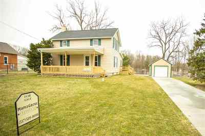 Single Family Home For Sale: 927 Decamp Rd