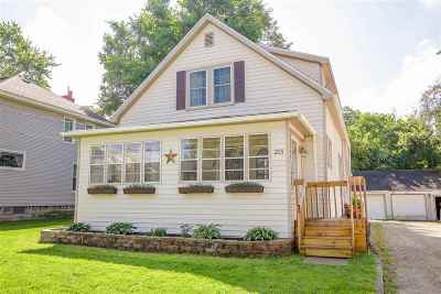 Parma Single Family Home For Sale: 215 W James St