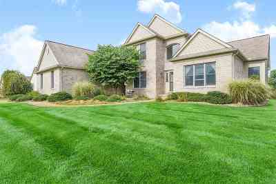 Jackson County Single Family Home For Sale: 5024 Grande View Ln