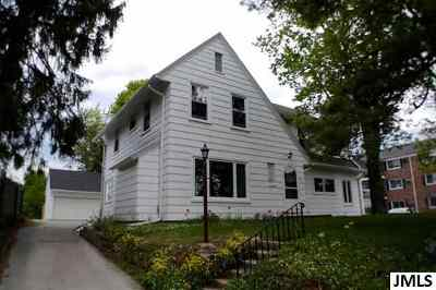 Jackson Single Family Home For Sale: 900 W Michigan Ave
