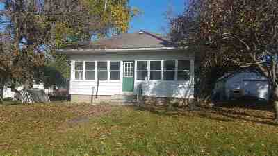 Munith Single Family Home Contingent - Financing: 216 W Seventh St