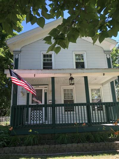 Eaton Rapids Single Family Home For Sale: 306 State St