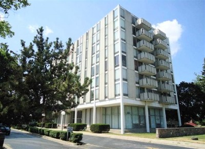 Jackson County Condo/Townhouse For Sale: 715 W Michigan Ave