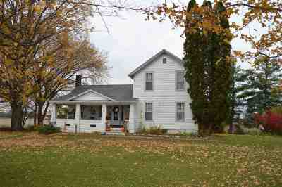 Eaton Rapids Single Family Home For Sale: 1751 N Smith Rd