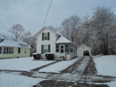 Jackson MI Single Family Home For Sale: $79,900