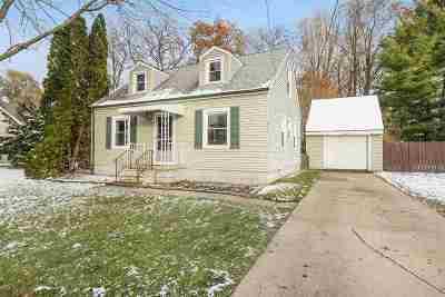 Jackson MI Single Family Home For Sale: $110,000
