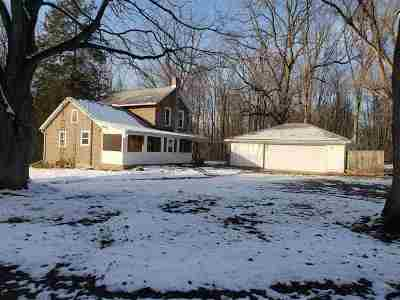 Single Family Home For Sale: 9837 Easton Rd