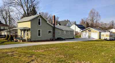 Hillsdale County Single Family Home For Sale: 9034 North St