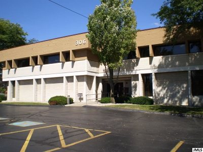 Jackson County Commercial/Industrial For Sale: 306 W Washington St