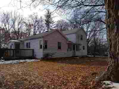Parma Single Family Home Contingent - Financing: 209 McLain Rd
