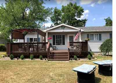 Brooklyn Single Family Home Contingent - Financing: 2583 Vineyard Ln