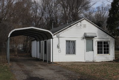 Jackson MI Single Family Home For Sale: $32,900