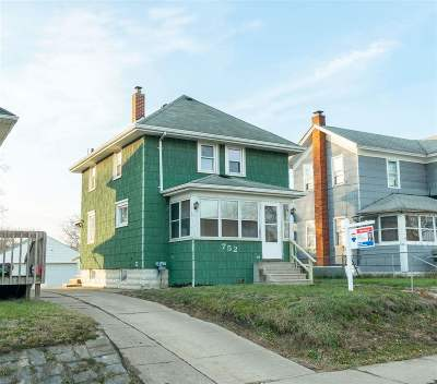 Jackson Single Family Home Contingent - Financing: 752 S Pleasant St