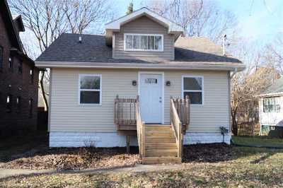 Single Family Home For Sale: 110 Thompson St