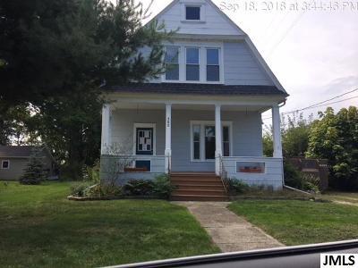 Stockbridge Single Family Home For Sale: 302 Wood St
