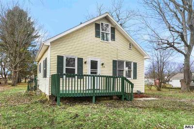Jackson County Single Family Home Contingent - Financing: 844 Wayne St