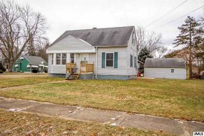 Jackson County Single Family Home For Sale: 2301 Lancaster Blvd