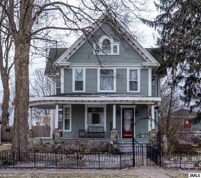 Single Family Home For Sale: 223 Michigan St