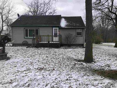 Lenawee County Single Family Home For Sale: 585 W Main St