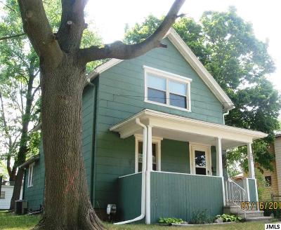Jackson County Single Family Home For Sale: 827 Whitney St