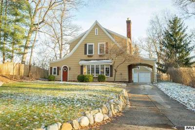 Jackson MI Single Family Home For Sale: $235,000