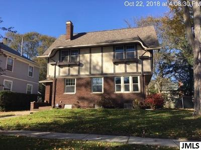 Single Family Home For Sale: 410 Harwood